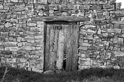 door-2304193__340