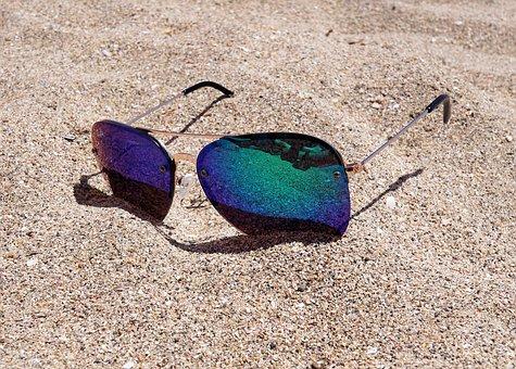 sunglasses-2523803__340