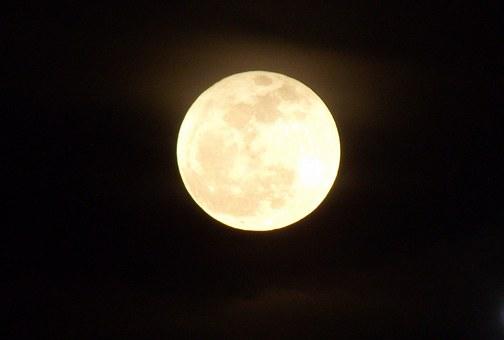 moon-17853__340.jpg