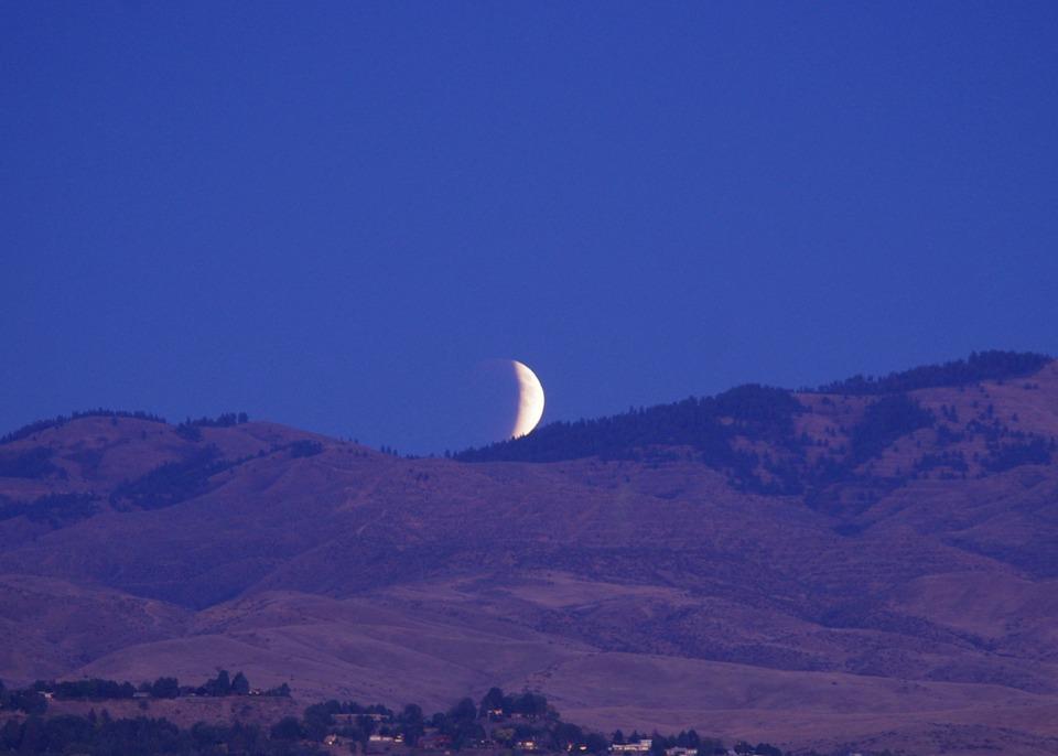 La luna delle sei(2)
